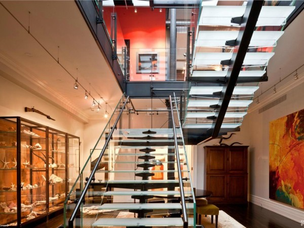 mansion-loft-gallery-space-glass-staircase-4