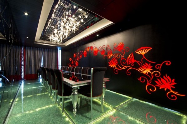 Directors-dining-lounge-700x466