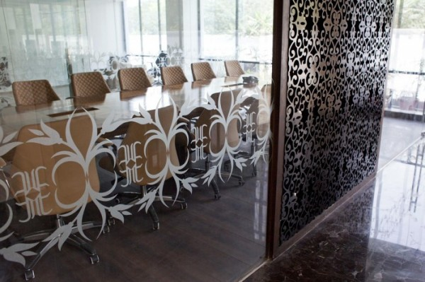 Directors-lift-lobby-with-board-room-in-background-700x466