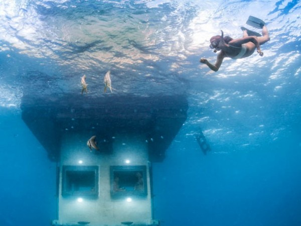 manta-resort-underwater-room-6
