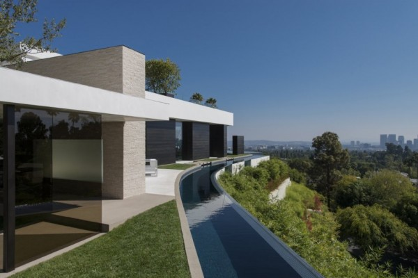 modern-residence-Laurel-Way-10