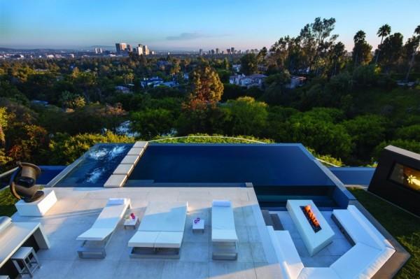 modern-residence-Laurel-Way-12