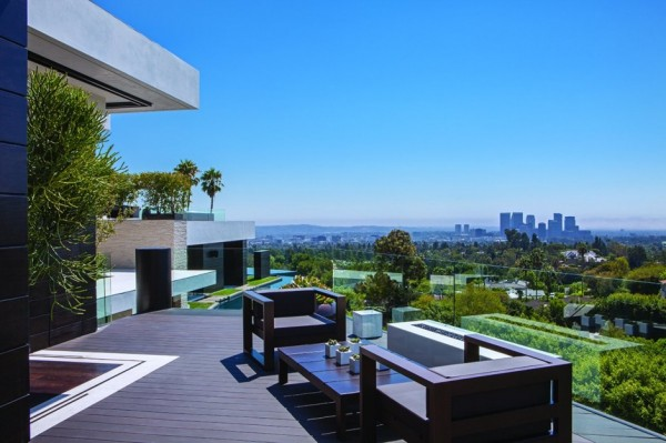 modern-residence-Laurel-Way-22