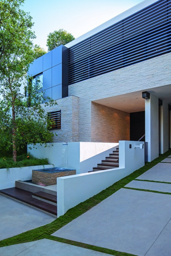 modern-residence-Laurel-Way-3
