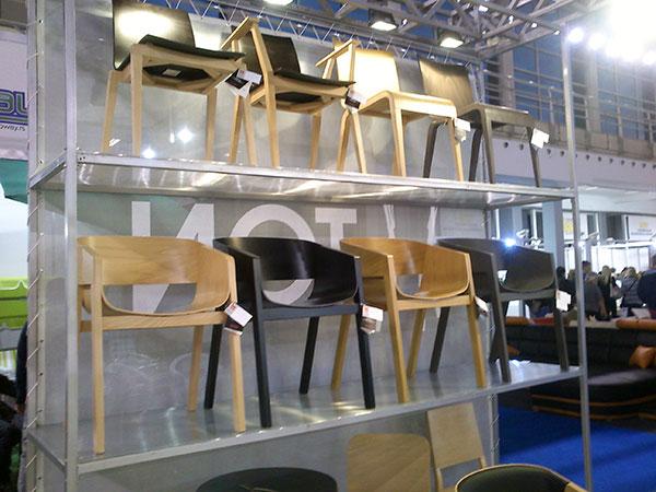 sajam-namsetaja-stolice-drvene