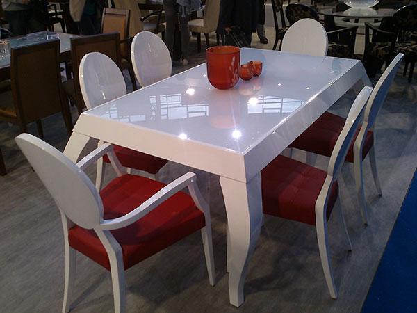 trpezarijske-stolice-i-sto