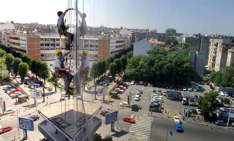 Urbani alpinizam: Malterisanje u vazduhu