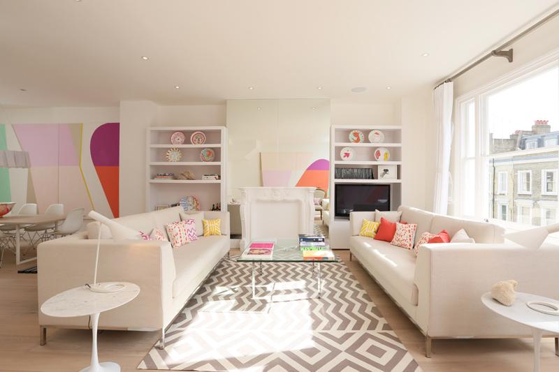 Beli stan s belim nameštajem