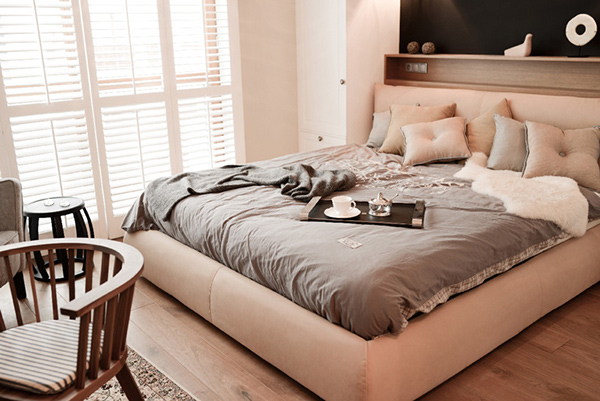 krevet-u-spavacoj-sobi