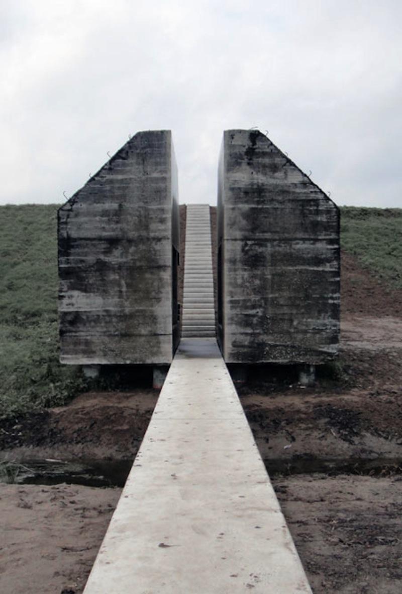 Pogledajte kako je betonski bunker presečen na dva dela