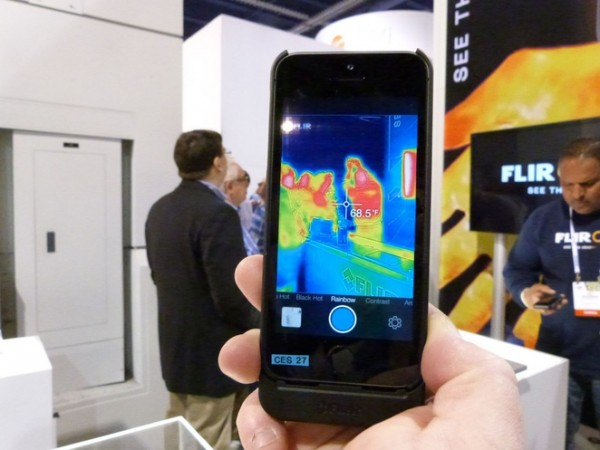 flir-one-iphone-1