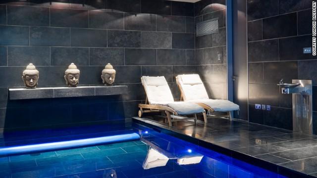 Pogledajte londonski podrum s bazenom i golf terenom