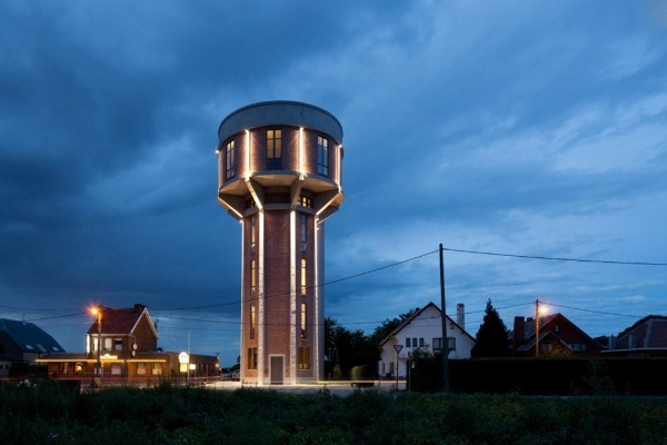 water_tower_converted_to_house_26