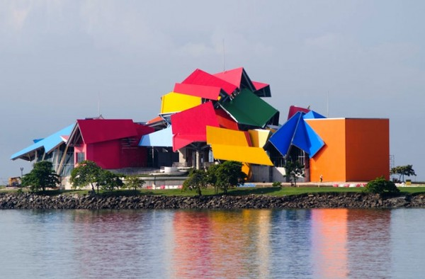 Frank-Gehry-Biomuseo-1