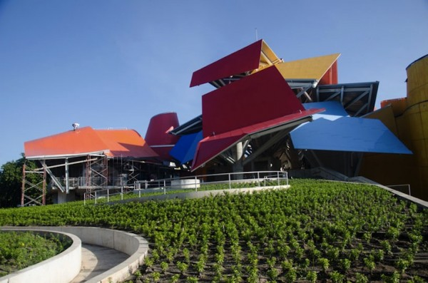 Frank-Gehry-Biomuseo-2