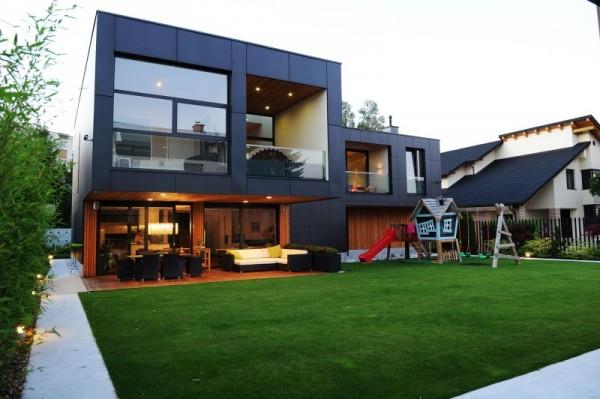 The-Black-Villa-outdoor-garden