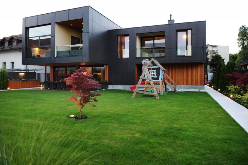Crna vila: Moderna porodična kuća u Ljubljani