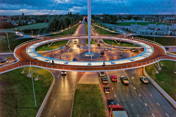 architecture-worlds-first-suspended-bicycle-roundabout