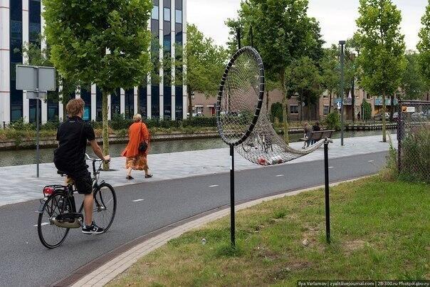 Specijalna korpa za bicikliste u Holandiji