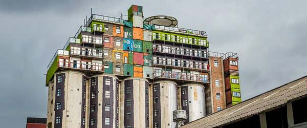 Studentski dom u silosima nadograđenim kontejnerima