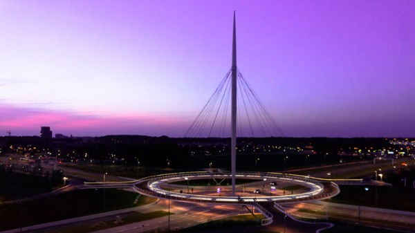 worlds-first-suspended-bicycle-roundabout-3