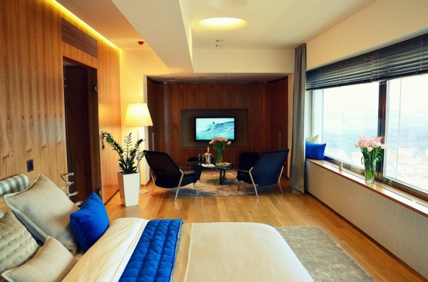 Prague-television-tower-one-room-hotel-3