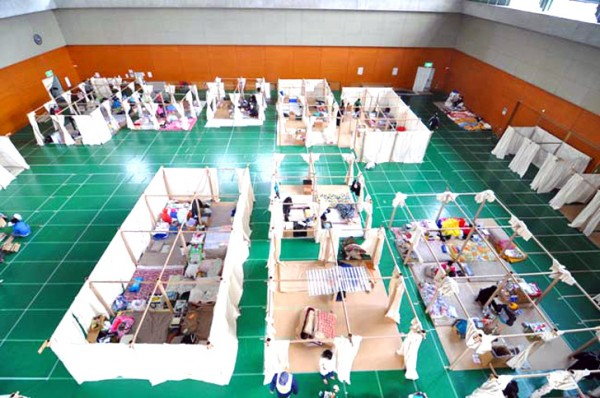 Shigeru-Ban-Japan-emergency-shelters