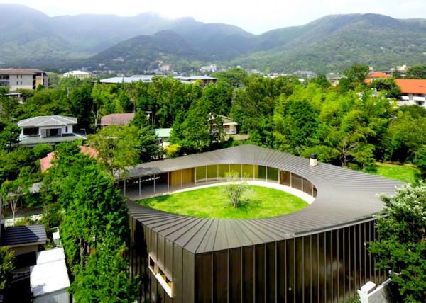 Villa-at-Sengokubara-by-Shigeru-Ban-copy