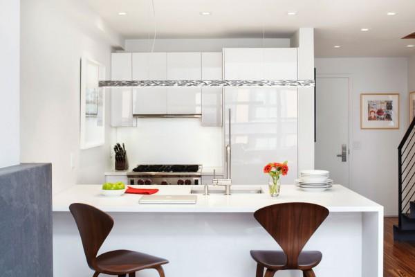 White-luscious-kitchen