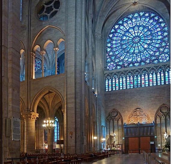 Katedrala Notr Dam zasijala LED rasvetom