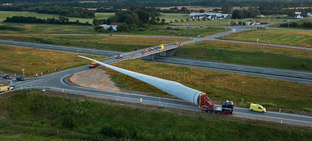 Transport najveće lopatice za vetroturbinu na svetu