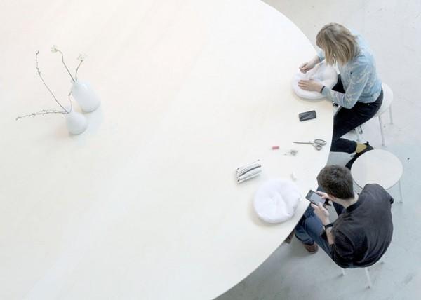 Cloud-Table-by-Studio-Maks_dezeen_ss_4