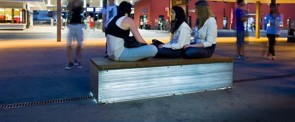 Lunacrete: Providni beton armiran svetlom