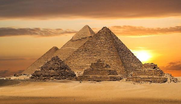 gradnja-piramida-2