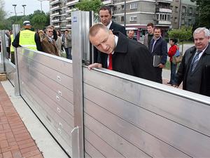 Mobilni zidovi protiv poplava na Dunavu kod Novog Sada
