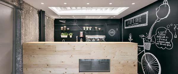 Industrijski enterijer niškog kafića Stock Coffee