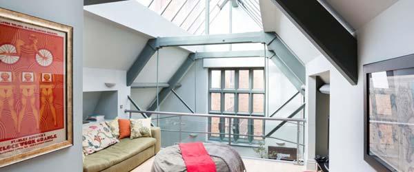 Otmeni londonski loft sa staklenim krovom
