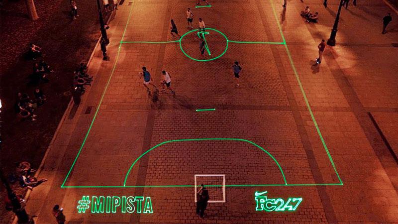 Instant fudbalski teren na ulici iscrtan laserima