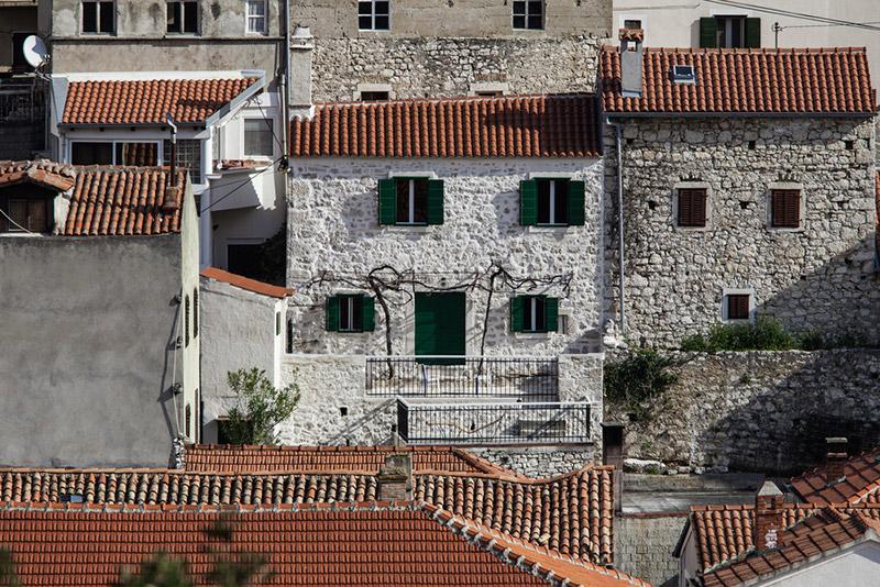 Neodoljiva kamena kamena kuća u Istri