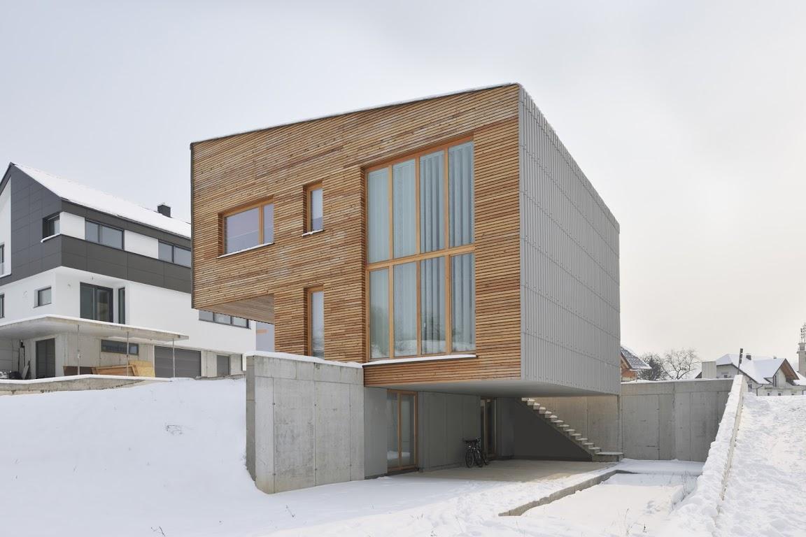 Kuća u Sloveniji koja izgleda kao da jedva dodiruje tlo