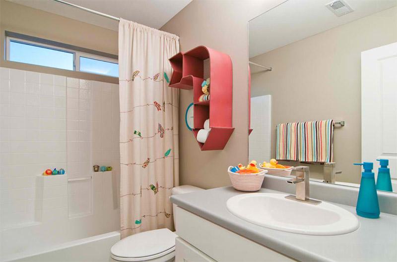 Kupatilo po meri deteta: Odabir sanitarija, boja i nameštaja