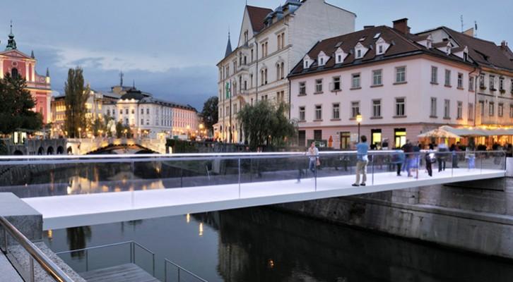 Stakleni prelaz: Novi pešački most preko Ljubljanice