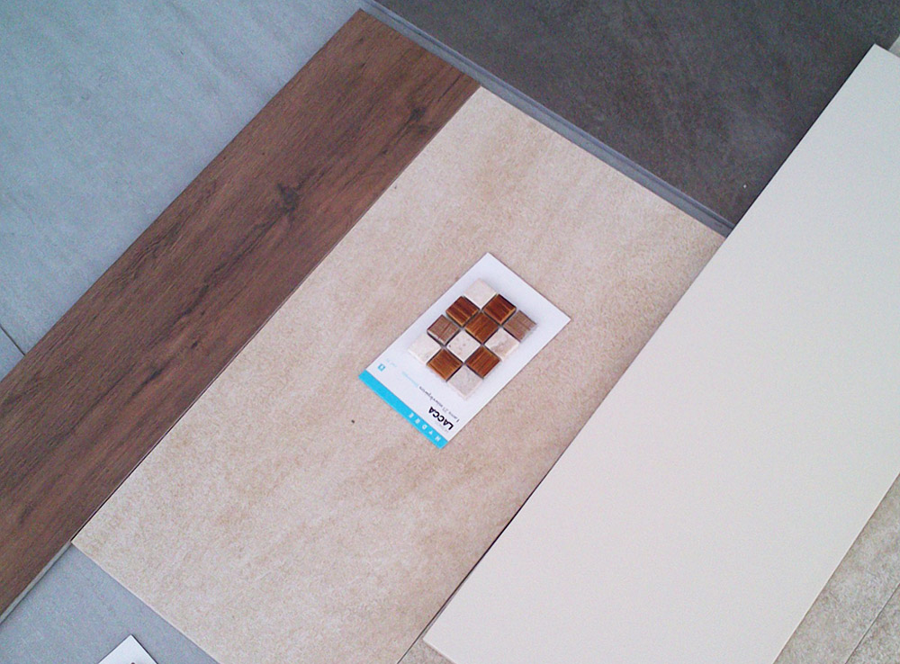 Napravite mozaik sečenjem starih keramičkih pločica