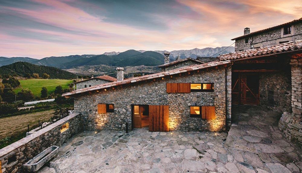 Kako je od štale u Španiji nastala savremena vila