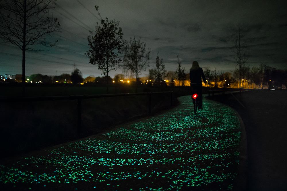 Otvorena biciklistička staza u Holandiji koja svetli u Van Gogovim motivima