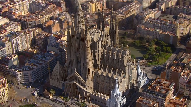 Sagrada-Familia-Render-Barcelona-Yellowtrace-02