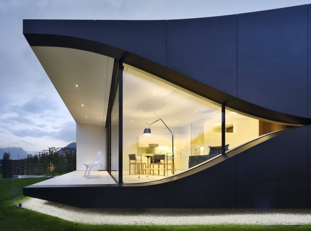 548cac11e58ece40d700004d_the-mirror-houses-peter-pichler-architecture_mirror_house_north_north_view