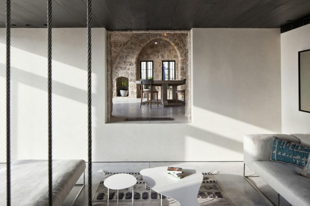 Rekonstrukcija kuće u Jafi: Harmonija stilova i tekstura