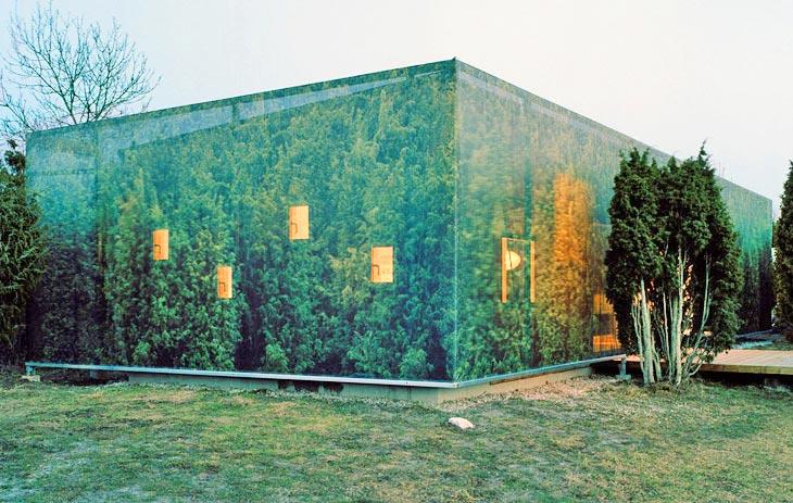 Kamuflaža: Fasada oblepljena vinilnim tapetama