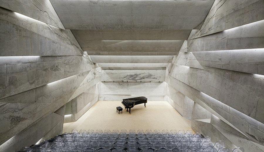 Koncertna dvorana koja prima desetinu stanovništva sela u kom je napravljena